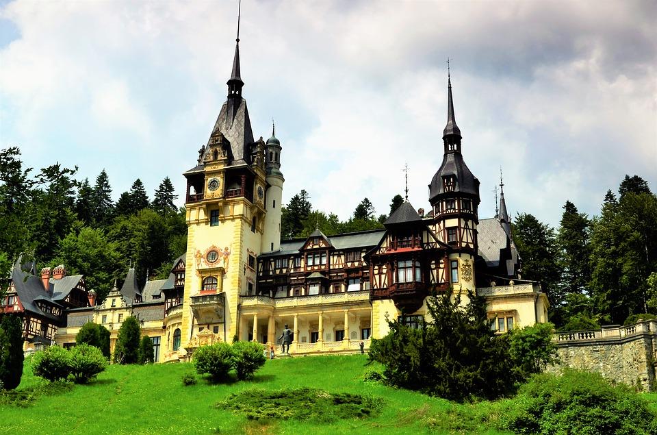 castle-2478503_960_720.jpg (235 KB)